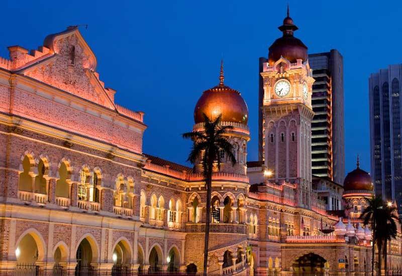 Куала лумпур през нощта